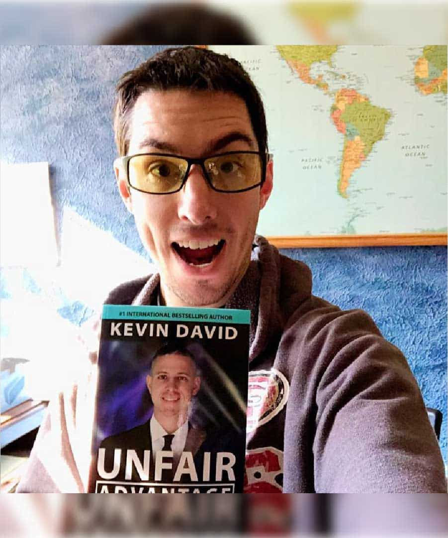 Unfair Advantage: Blueprint to Turn Your Knowledge Into Income 2